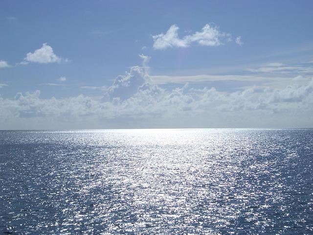 blue-sea-436991_640